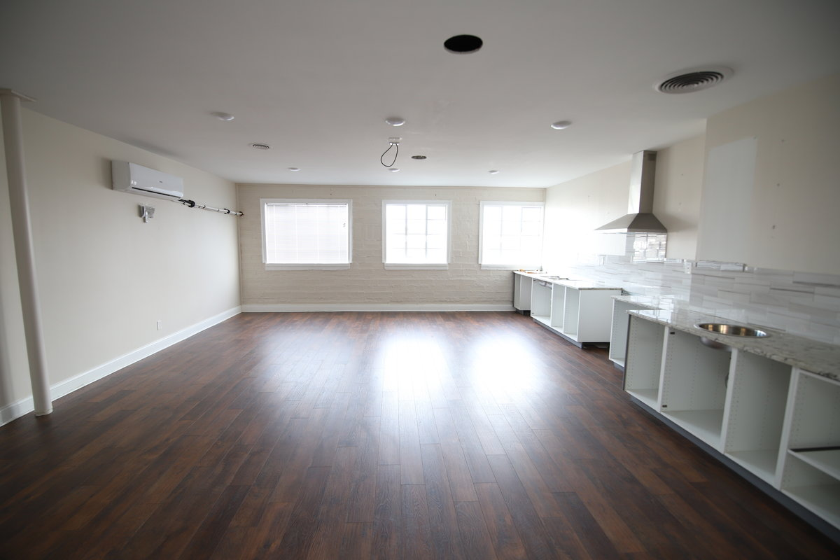 Multiple Suites Available in St. Matthews