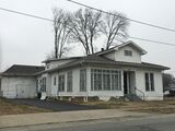 Jeffersonville duplex (Could be B&B, antique store, restaurant)